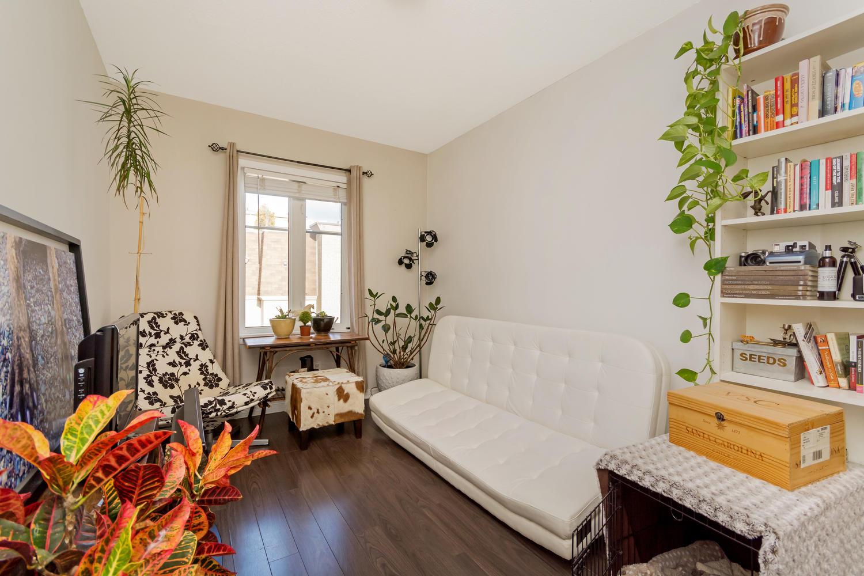 54 East Liberty 1034 Toronto-large-021-5-Bedroom 1-1500x1000-72dpi.jpg