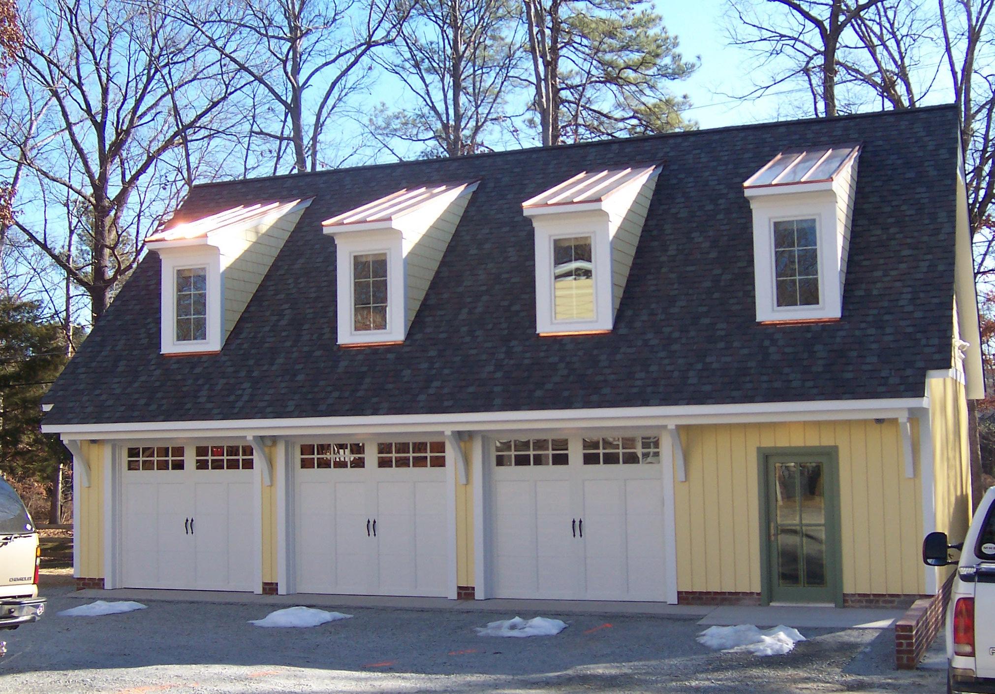 Freestanding Garage & Apartment