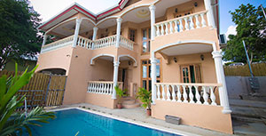 Robbie's Place is an elegant and peaceful oasis, nestled in Black Rock, Tobago.