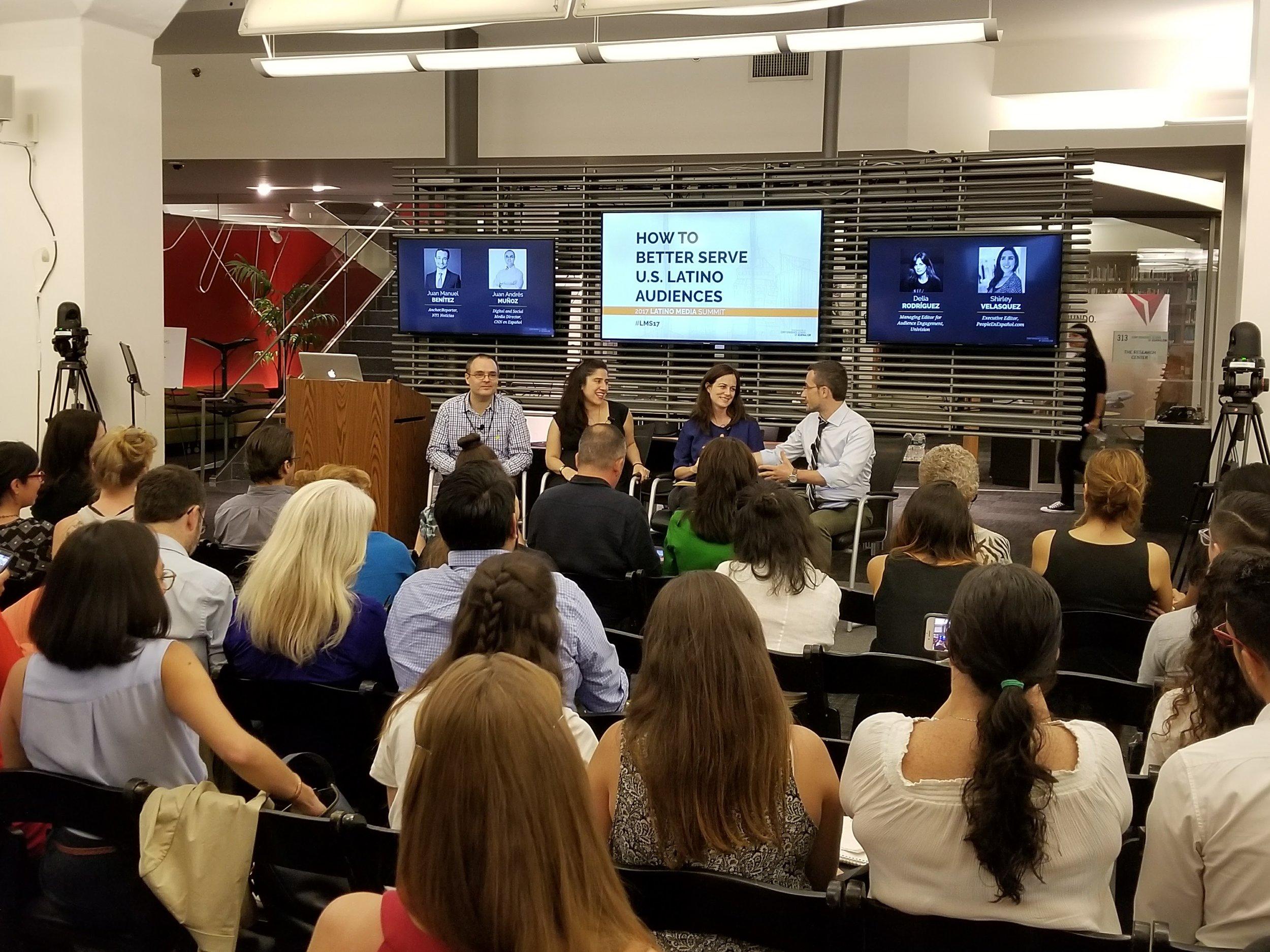 Los comunicadores compartieron sus experiencias sobre cómo llegar a la audiencia latina en Estados Unidos.  (Foto: Lillian E. Agosto Maldonado)