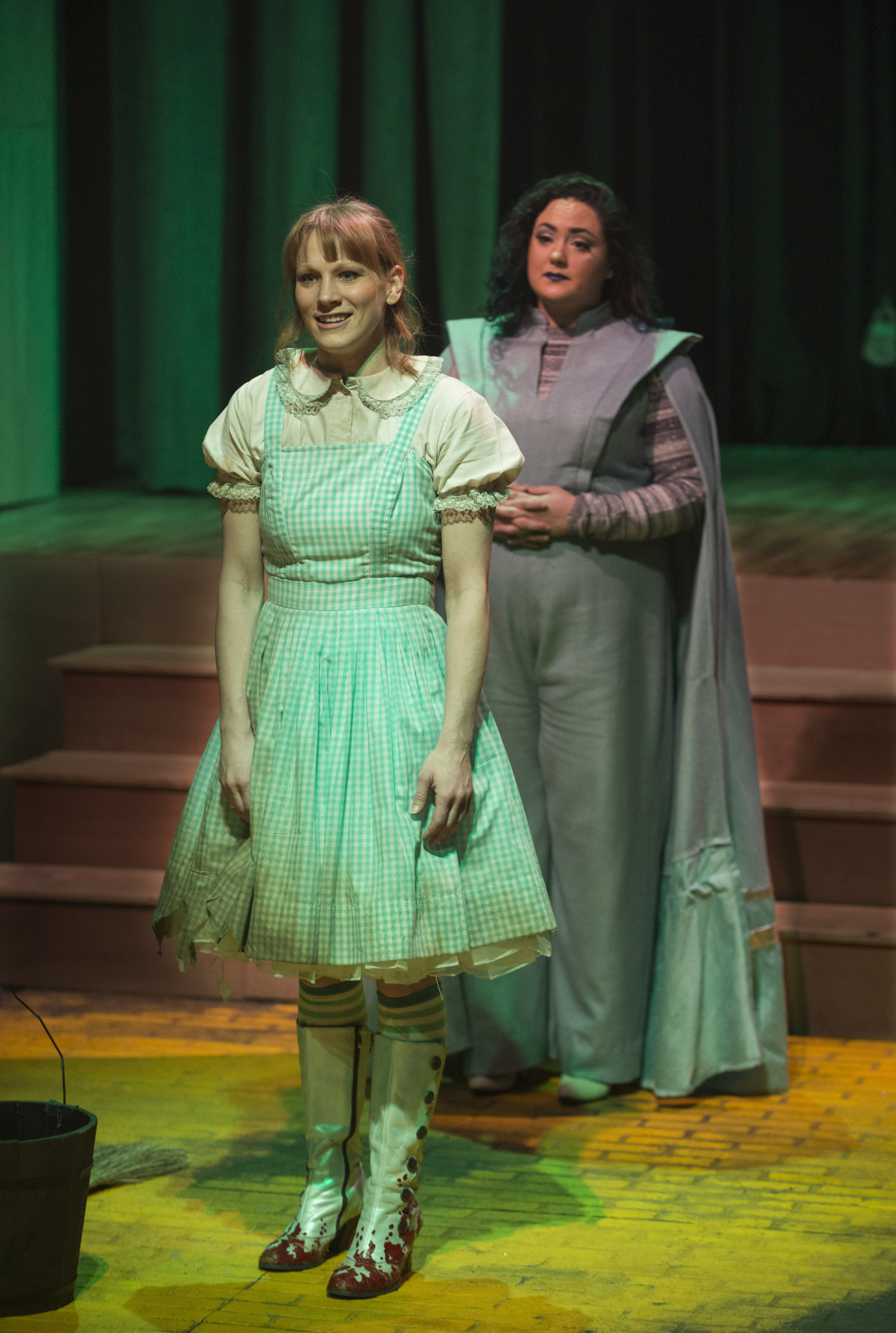 wizard of oz, chicago, play