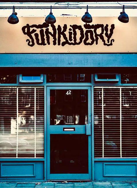 Intimate Peckham bar; image www.funkidory.com