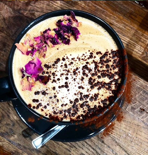 Vegan rose mocha. Image: @2girls_cafe