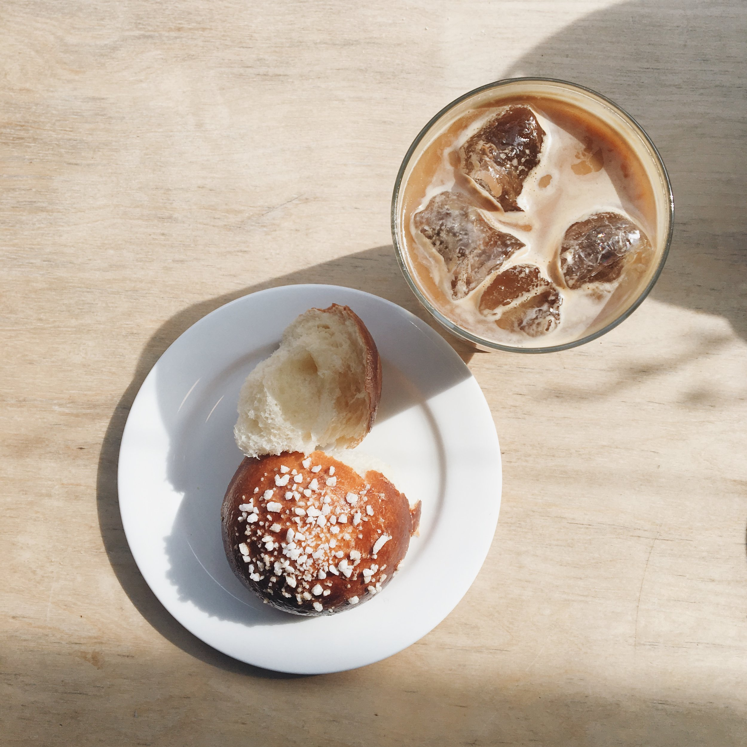 Brickhouse iced coffee and brioche bun. Image: SouthEast15