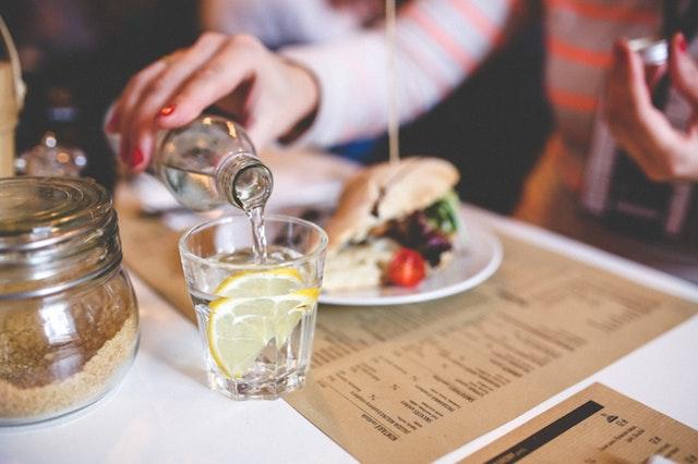 diner-dinner-drinking-6216.jpg