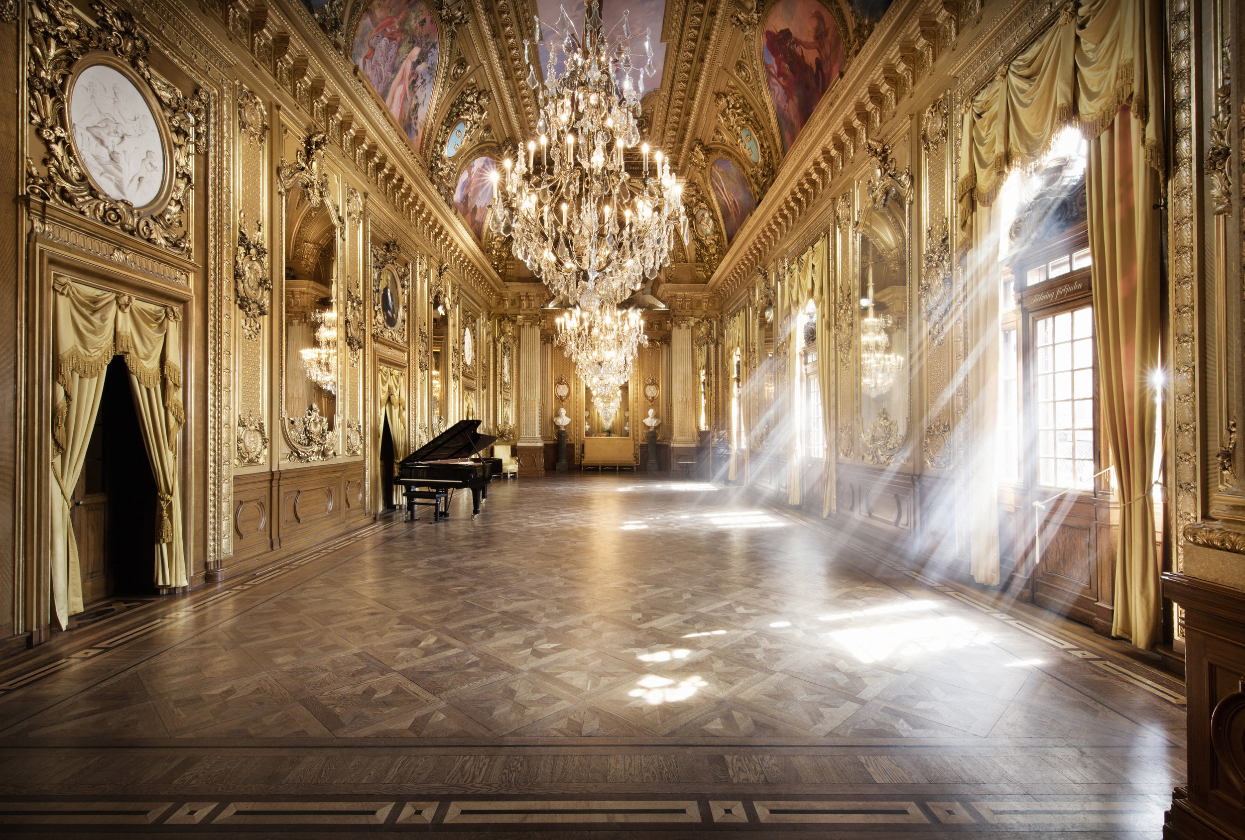 2018  jan 17, 19 Lunchkonsert Kungl Operan, Guldfoajén. Sånger av Schubert, Schumann och Helander tillsammans med stråkkvartett ur Kungl Hovkapellet. Klicka    här    för mer info.