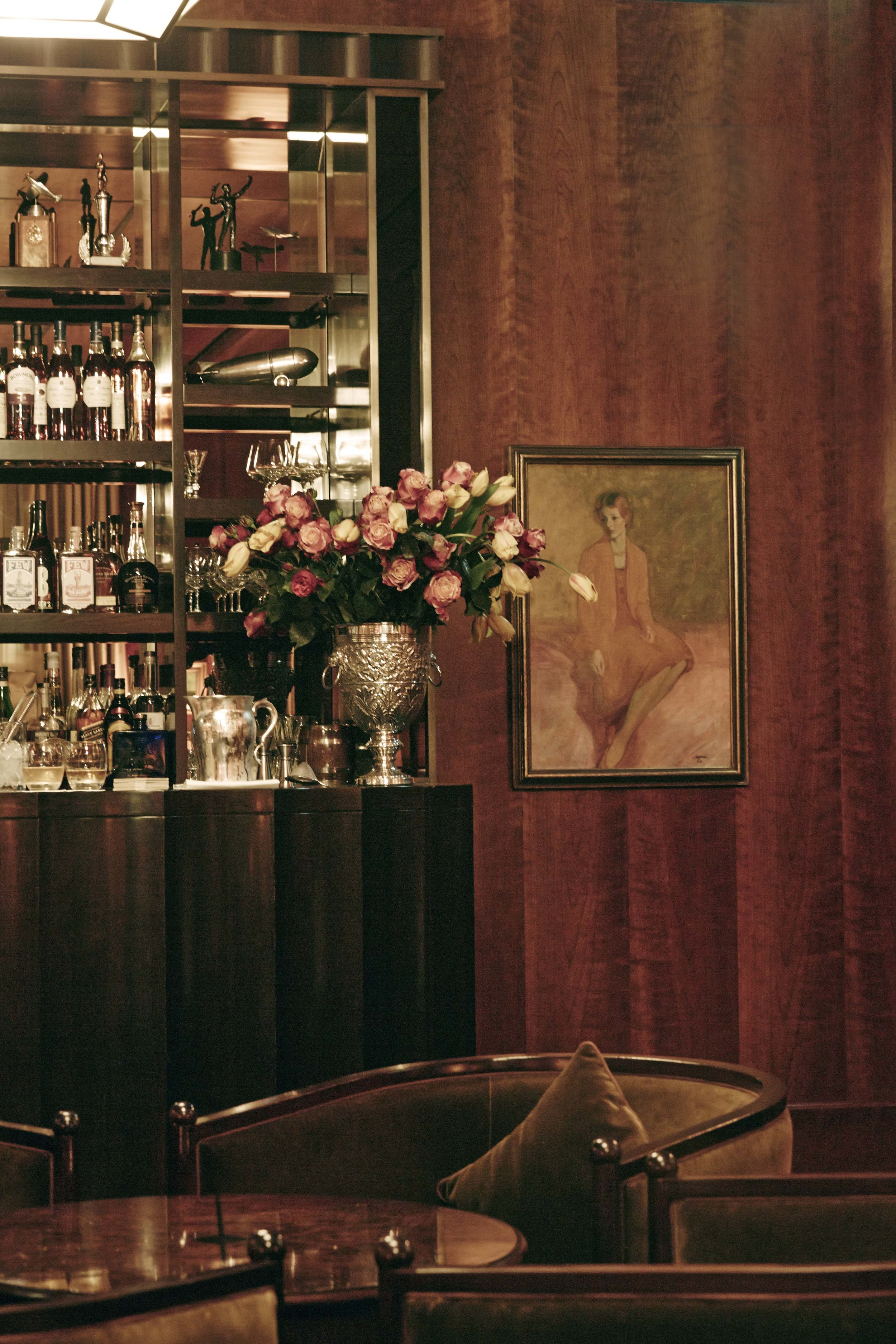 Even the little details in the guests-only Cub Bar are perfect, and make you feel at home
