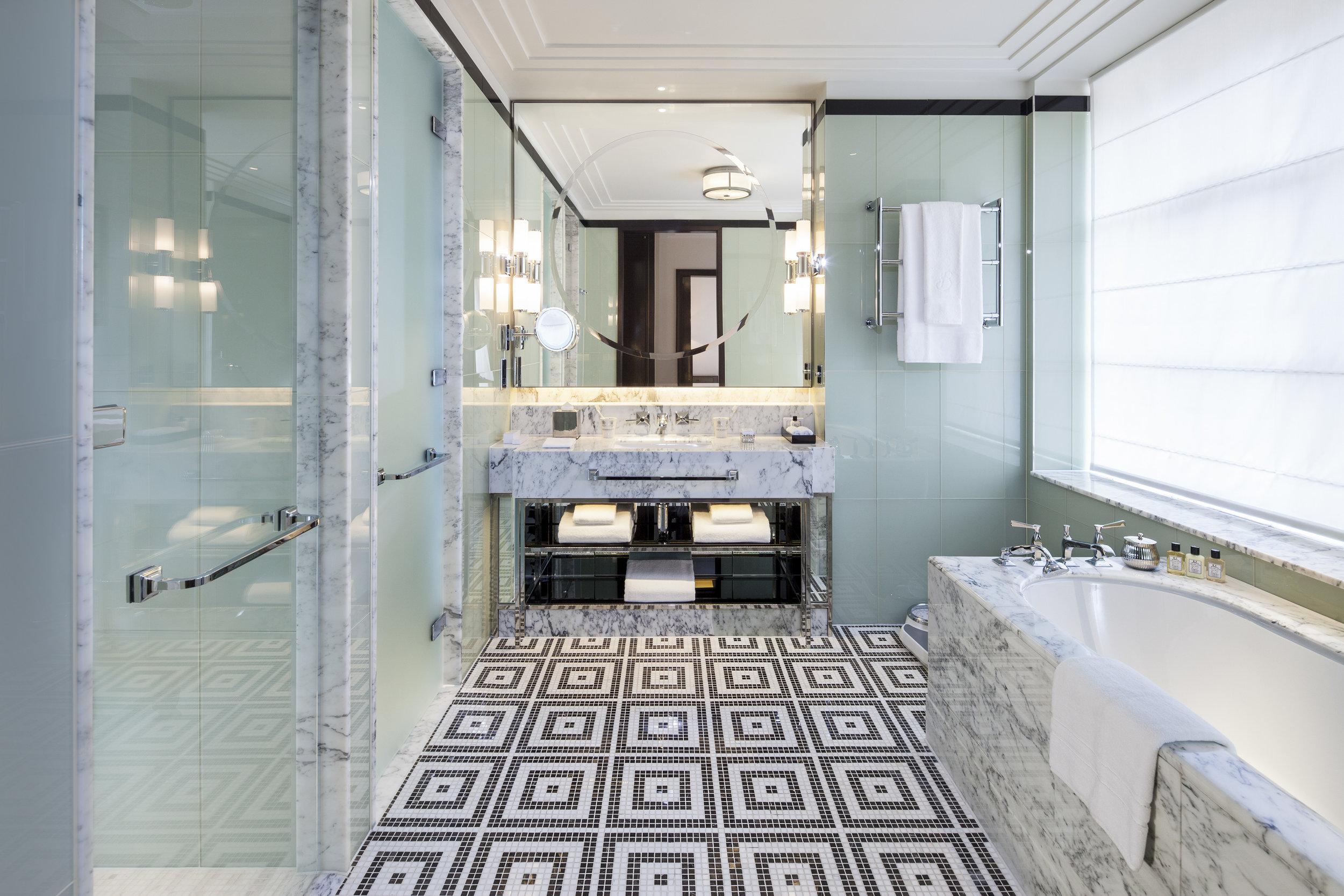 The spacious, divine bathrooms...