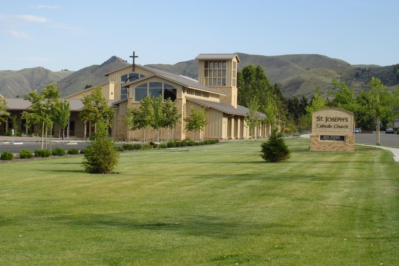 photo of church for registration.jpg
