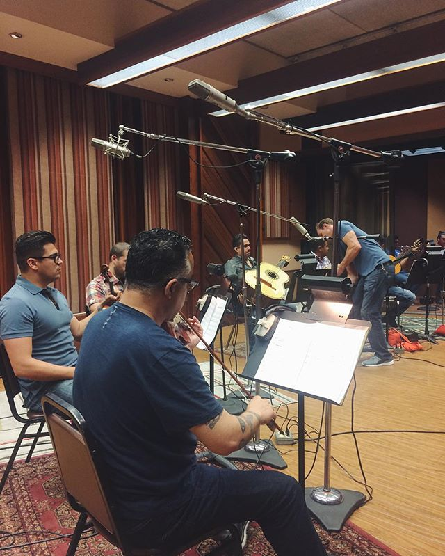 Did you love Chad's mariachi band proposal on last night's episode of @screamqueensfx? Here's a look behind the scenes recording the song! These guys were total professionals....even singing Chad's lyrics 😬🙈 #ScreamQueens #TVmusic #mariachi #queridachanel #behindthescenes
