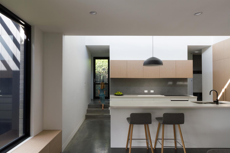 1164-resnew_O'Connor House_de Rome Architects_Light Studies_05.jpg
