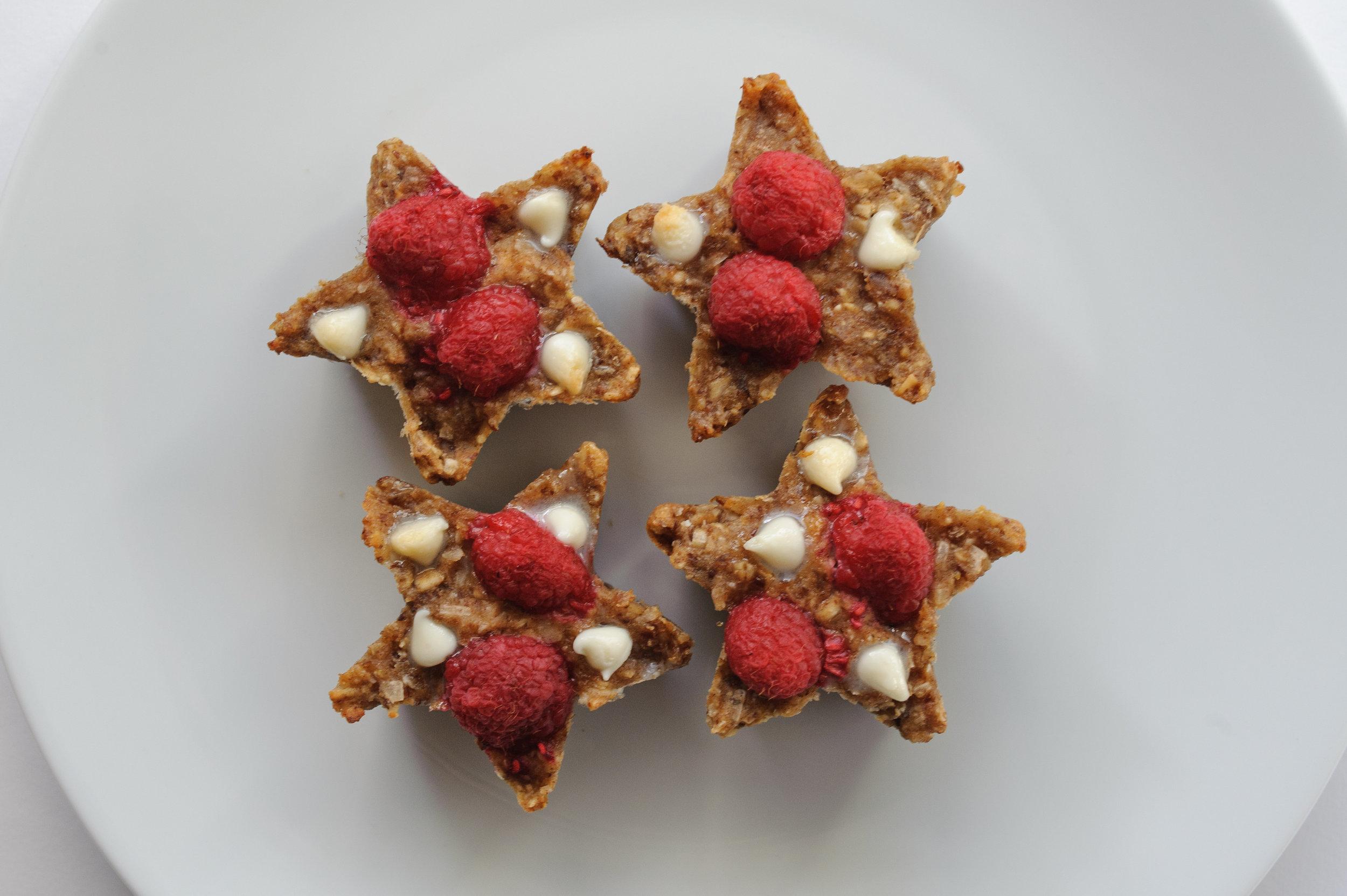 easy-raspberry-oat-snack-bars