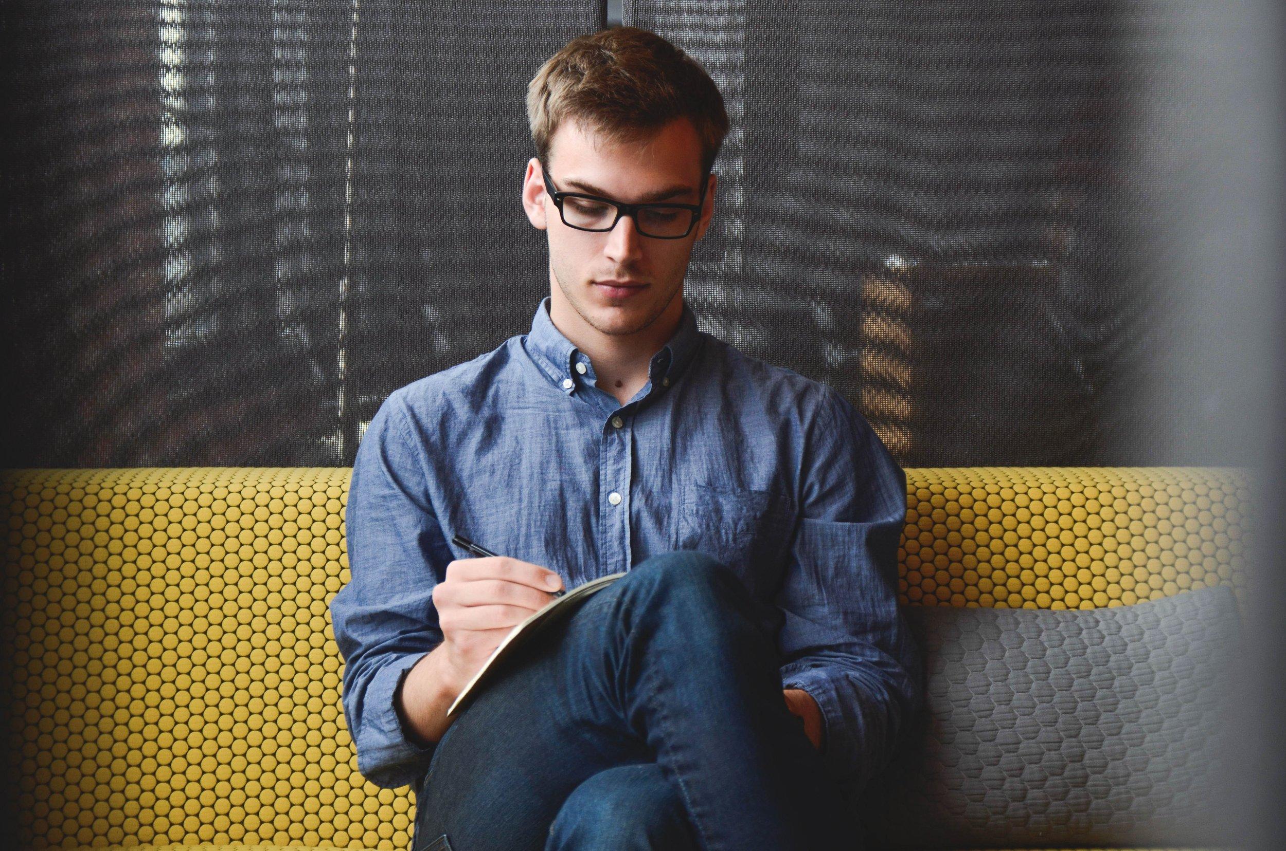 entrepreneur-startup-start-up-man-39866.jpeg