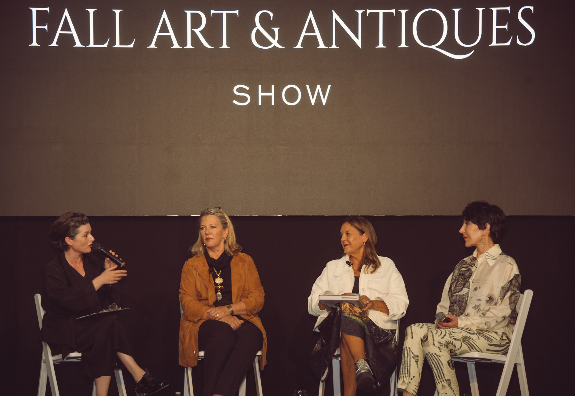 The Director of The San Francisco Fall Art & Antiques Show, Ariane Trimuschat, introduced the esteemed panelists.