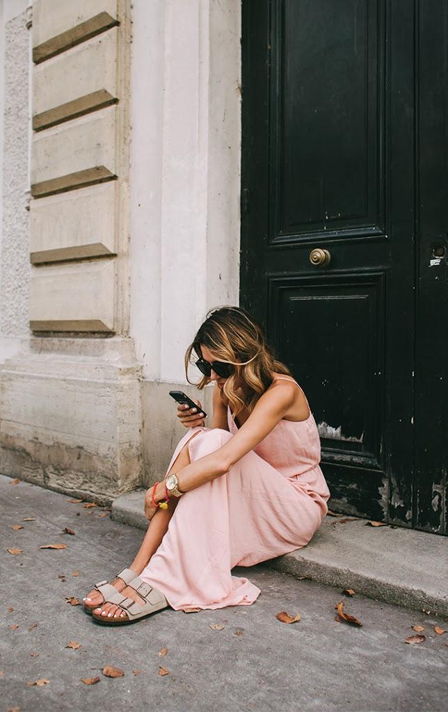 paris_cell_phone_pic_hello_fashion1.jpg