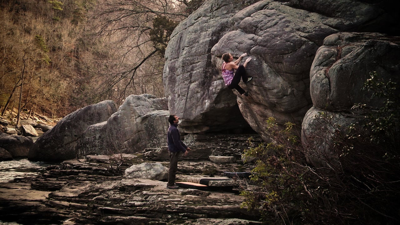 Bouldering in Little River Canyon