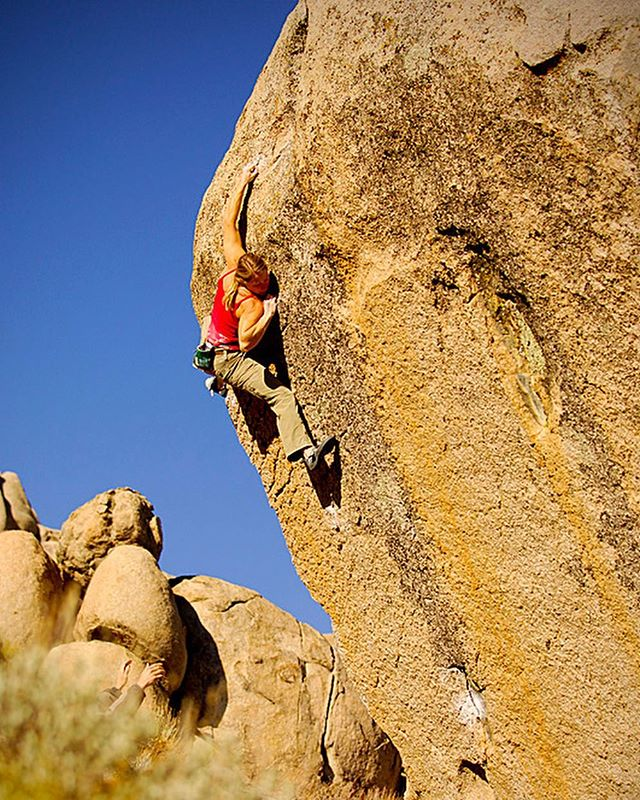 Yesterday's conversation at @tbagym got me reminiscing about these two world class highballs, Golden Shower and Mesothelioma. Both climbs are on the same beautiful boulder at the Pollen Grains, Bishop, CA. Sunshine, crystal blue skies, and some of the biggest boulders on the planet! A special place with great memories!  Recent conversation and post on @synergyclimbingteam 📷 @timkemple  #tbastrong #teamevolv #highballing #bishopbouldering #synergyclimbing