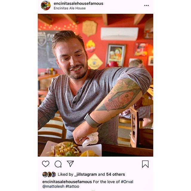 One of my personal favorite things about working in #Encinitas is being right down to road from @encinitasalehousefamous for lunch & hangs with some of my favorite people. Plus, let's be honest here... I'll use any excuse possible to show off my #orval tattoo 🤗