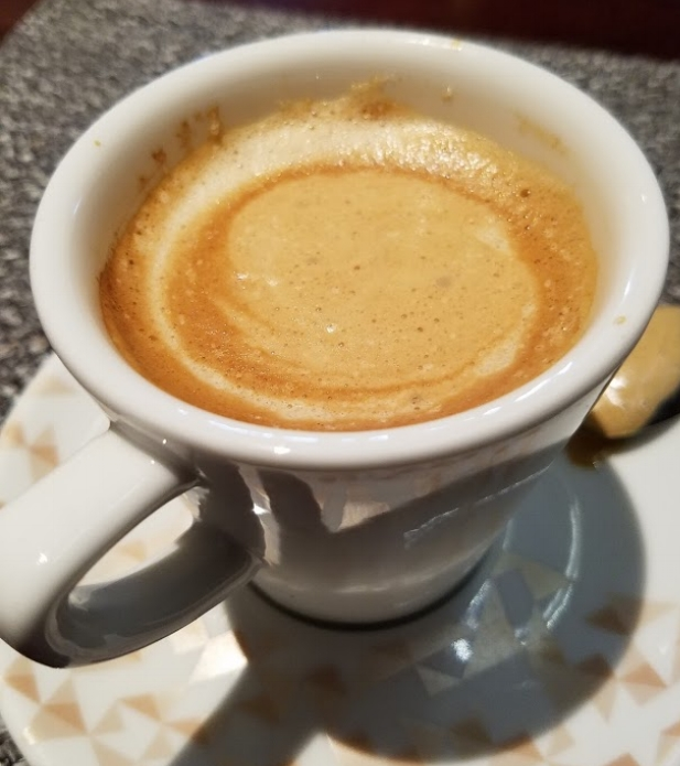 Cafe con leche (espresso with milk)