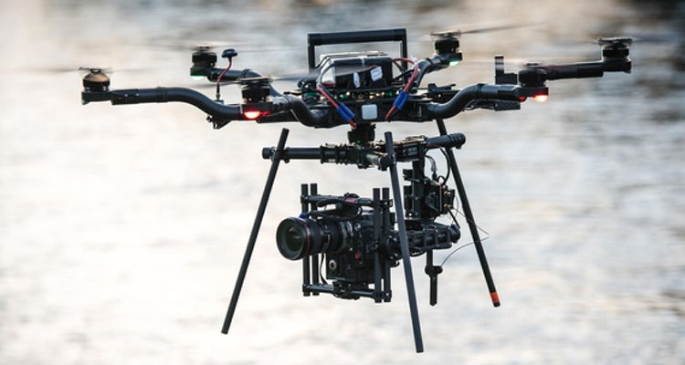 Our preferred payload is the Movi M10 with RED Epic Dragon achieving flight times of around 11 minutes. With a lighter A7Sii we can fly for 23 minutes!