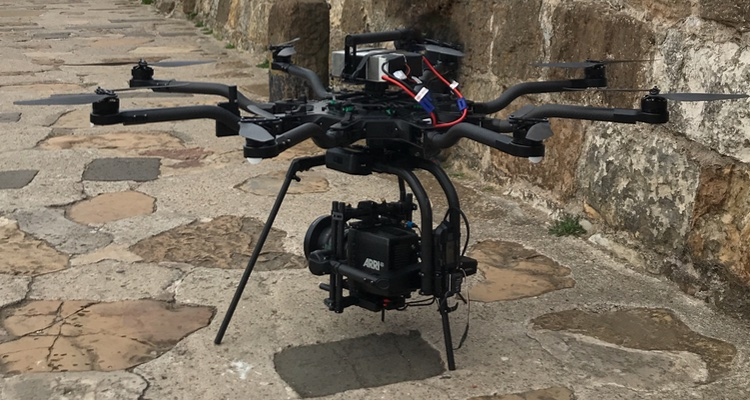 The ultimate drone for lifting top end cinema cameras like the Alexa Mini and RED Weapon. Although not as heavylift as the Hammer X8, this drone flies for just over 10 minutes with an Alexa mini and gives the smoothest flight a director could wish for. It's our prefferred heavylift.