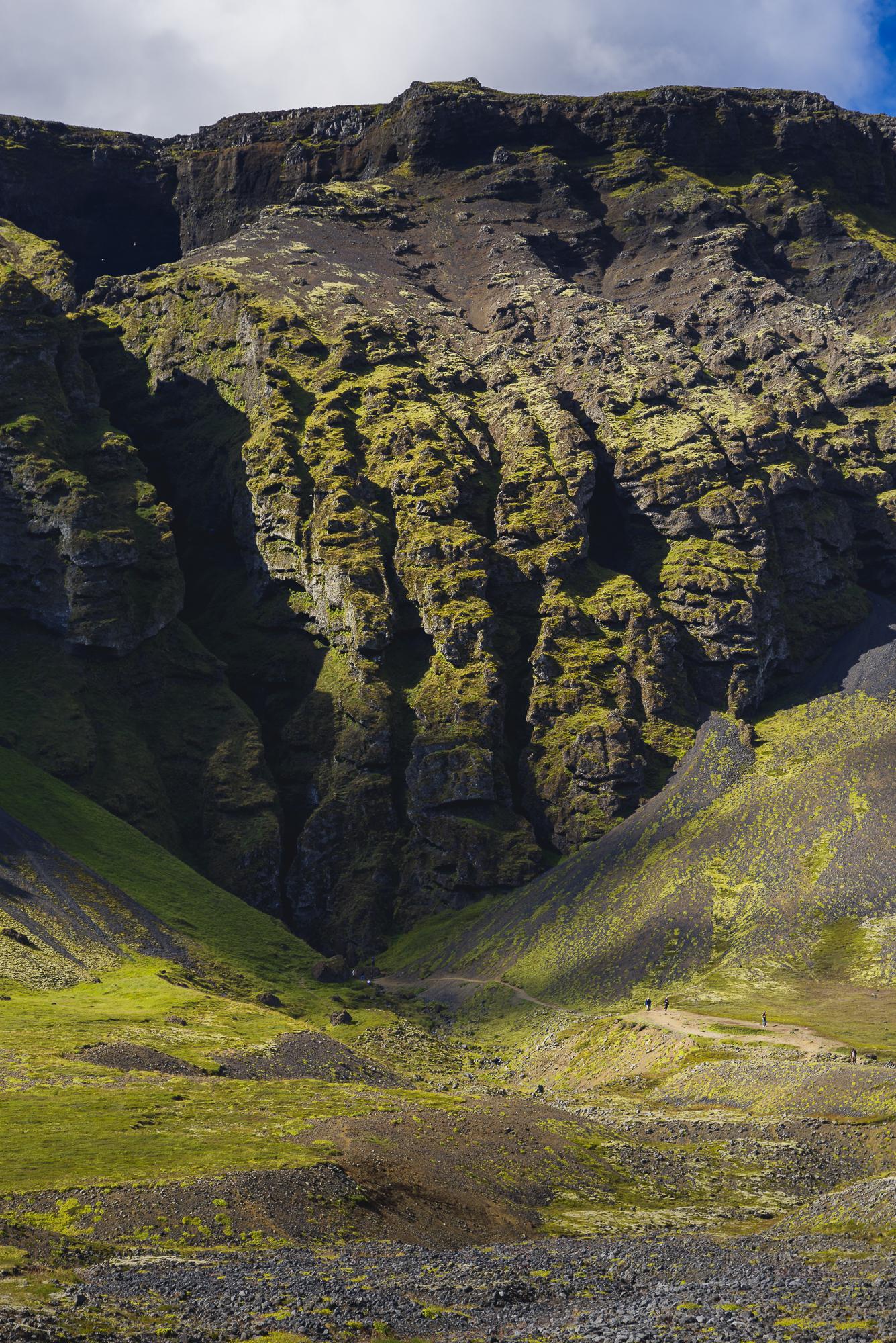 Rauðfeldsgjá kloof; huis van Bárður; half mens, half trol