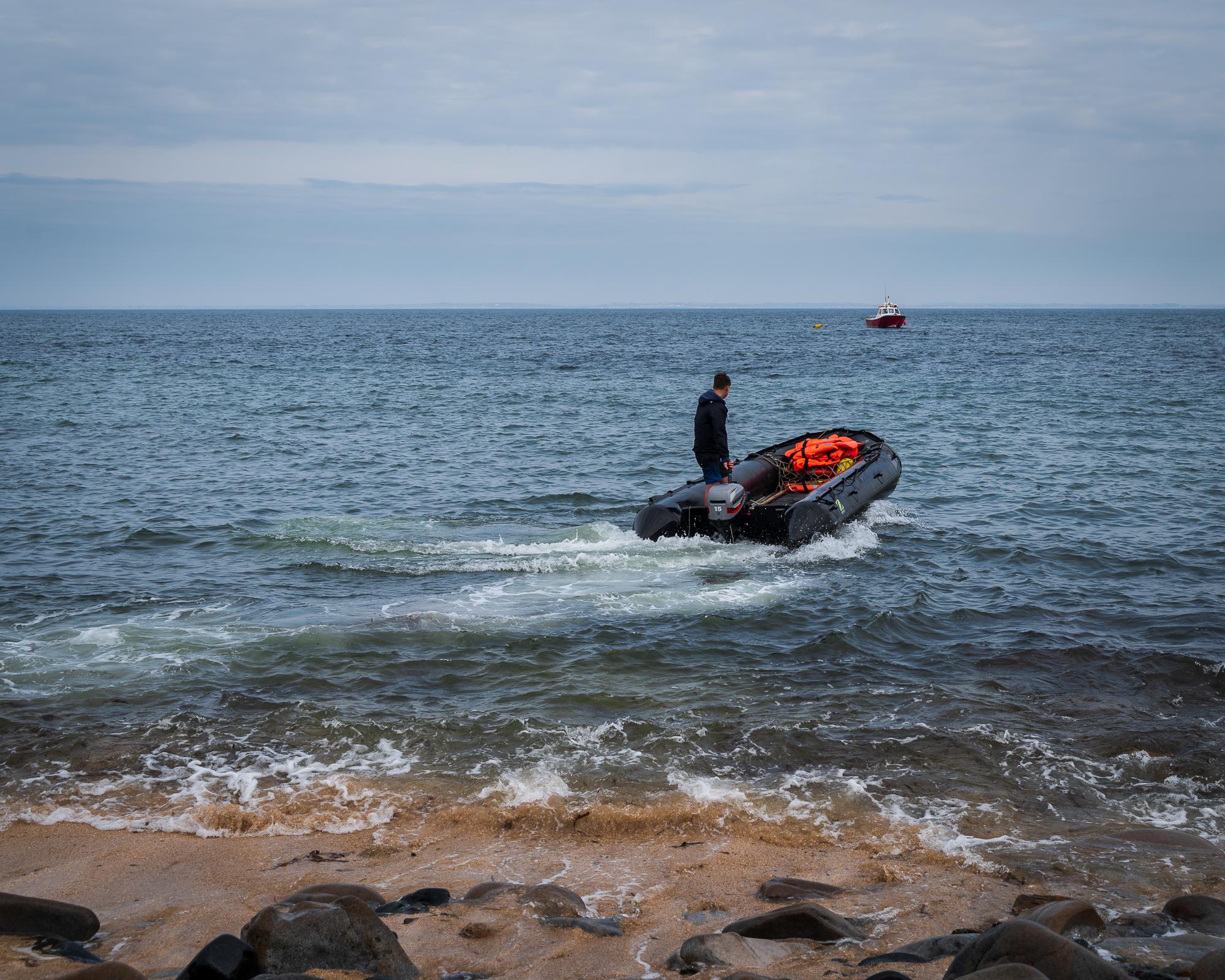 De laatste 100 meter gaat met rubberboot