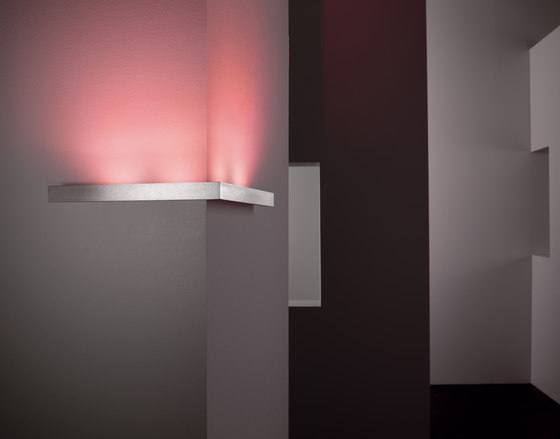Millelumen Classic linear wall light going round a corner
