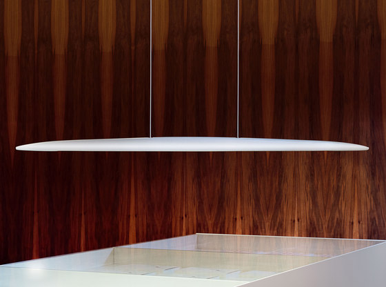 Millelumen Sculpture linear pendant light white