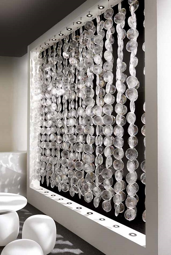 A screen made of Vetrart Hime glass discs