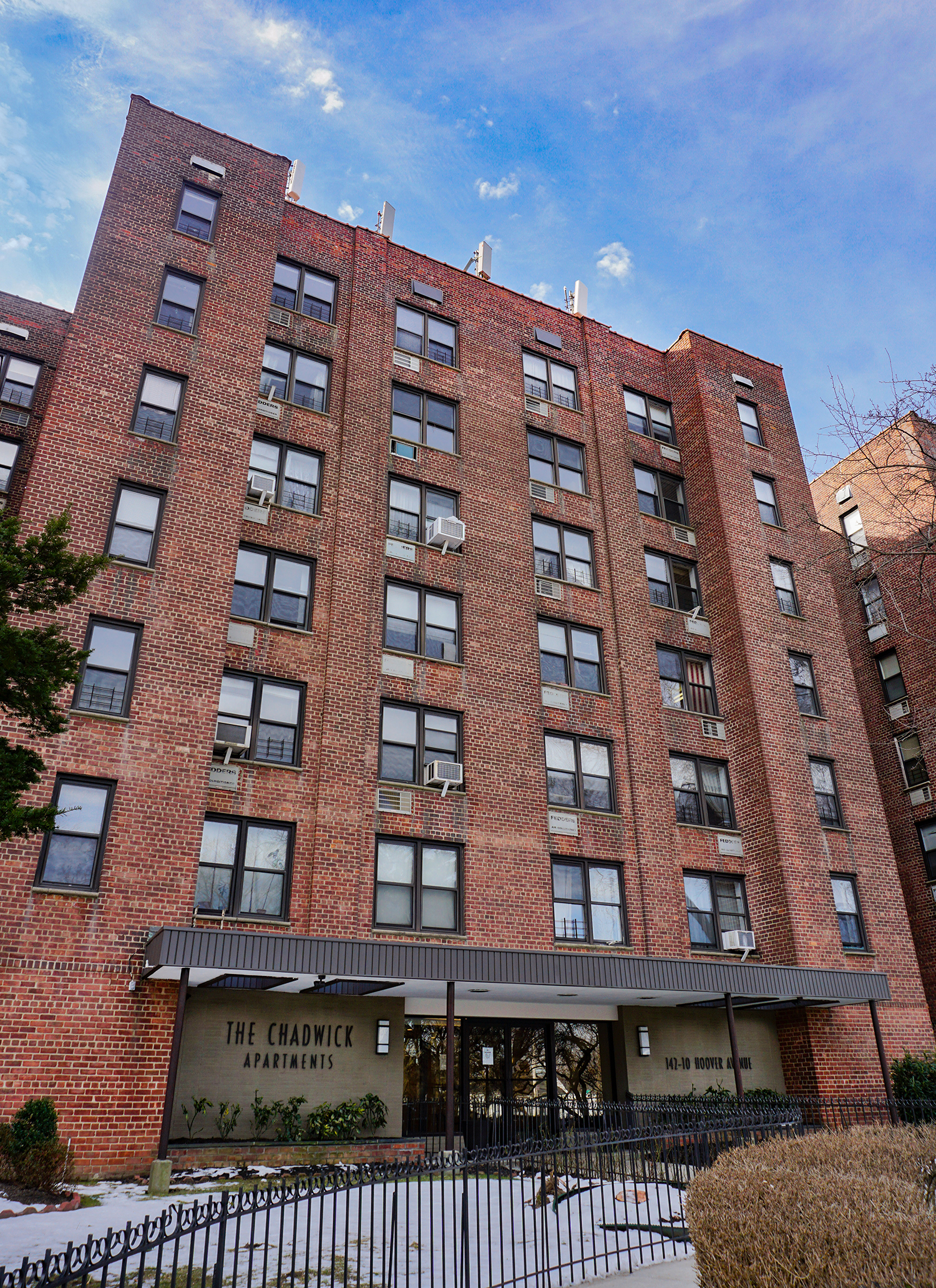 142 -10 Hoover Avenue -
