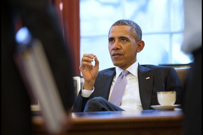 Barack_Obama_discusses_Ukraine_with_National_Security_Staff.jpg