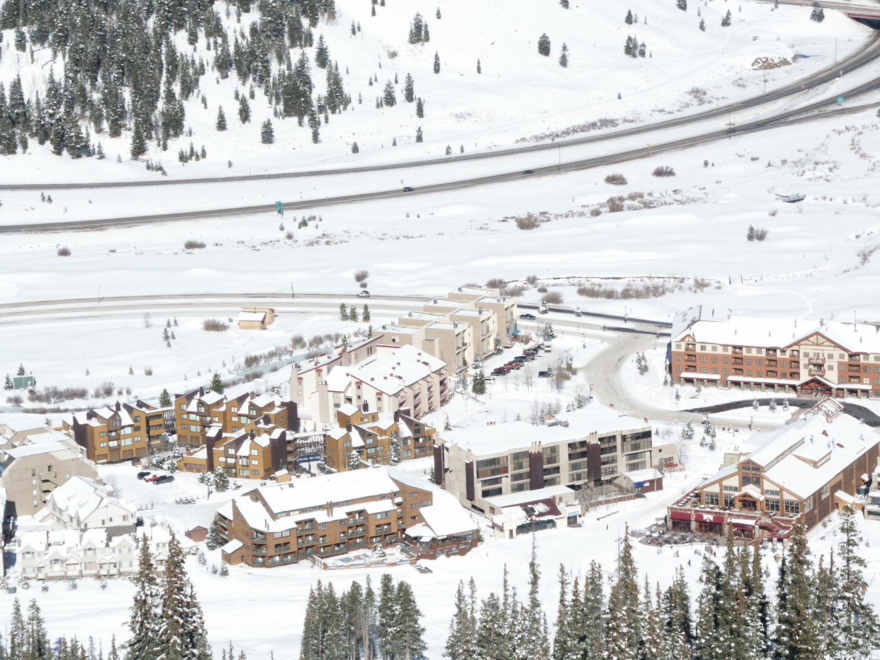Copper_Mountain_East_Village.jpg