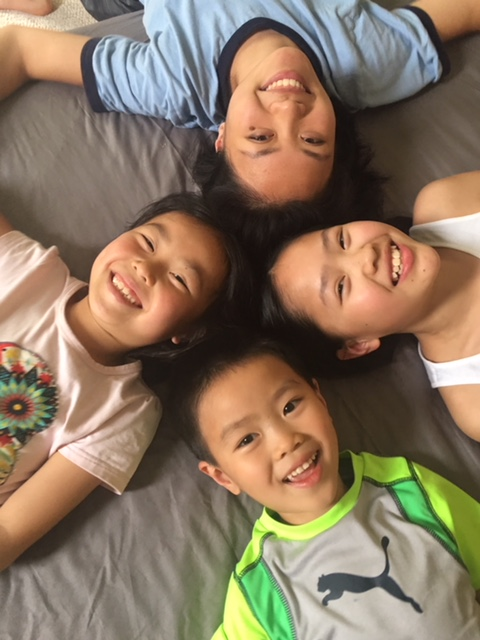 Donglin with her siblings, 2018