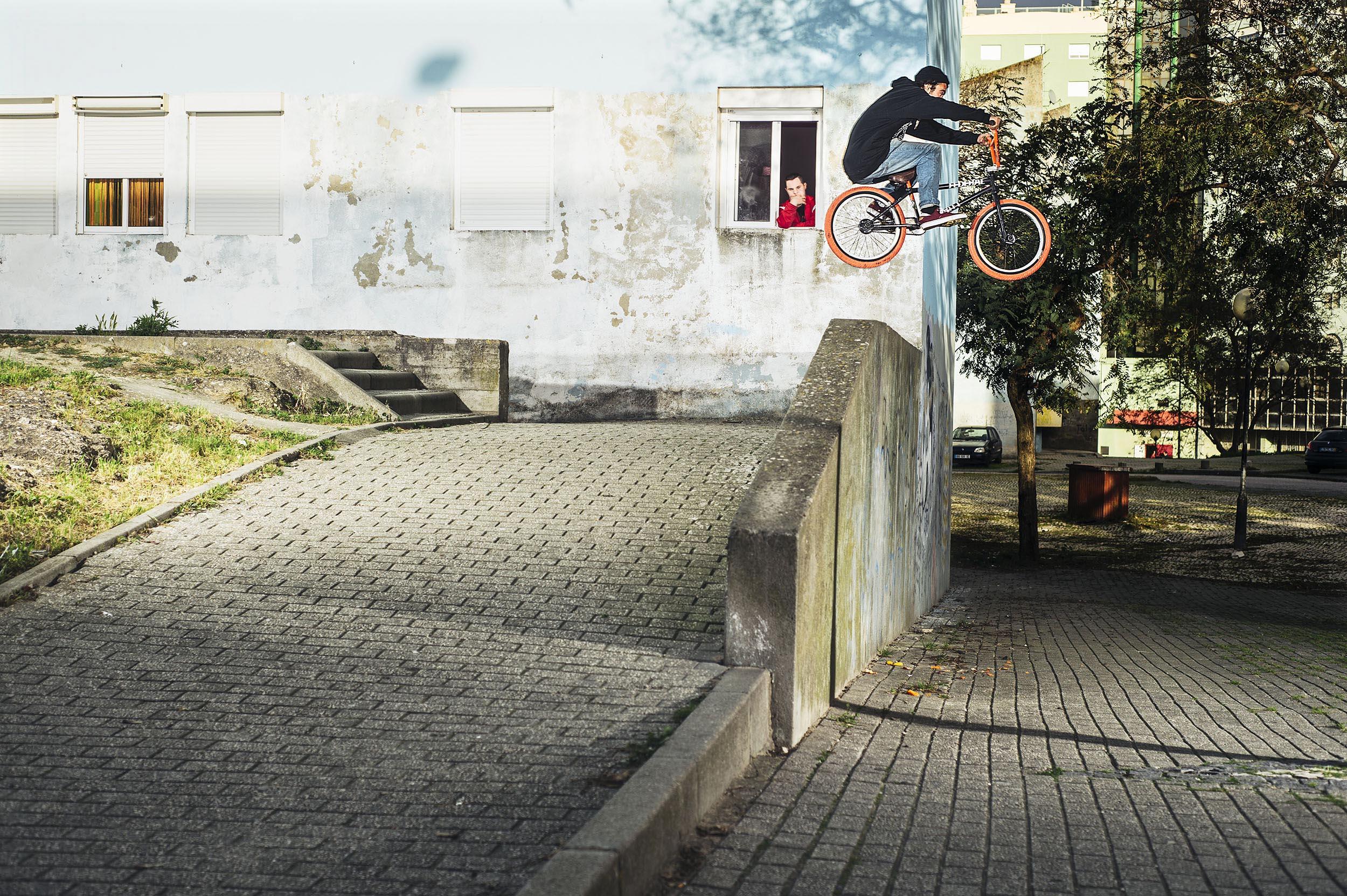 Diogo Santos for DIG BMX Magazine - Lisbon, Portugal