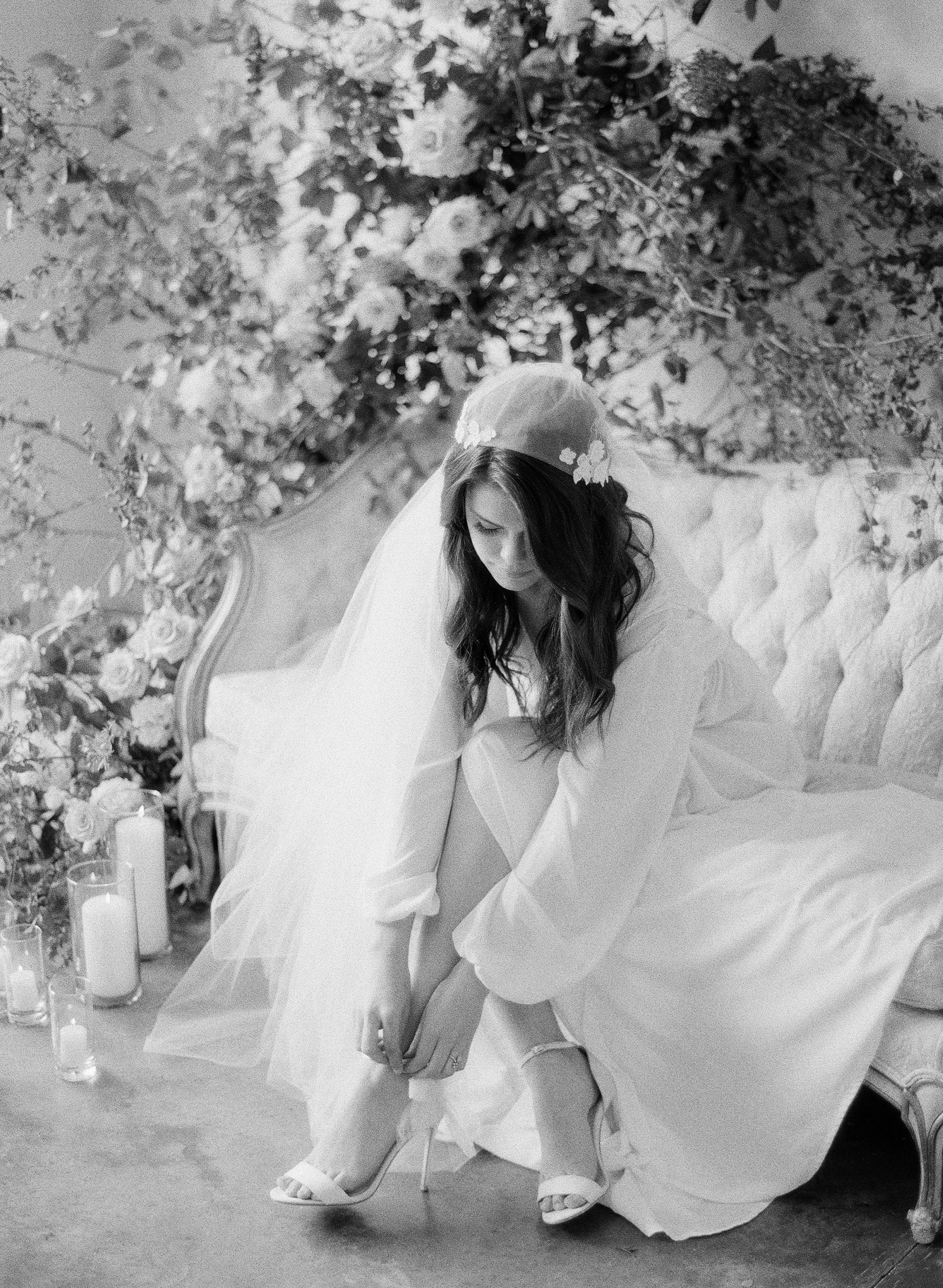 JennySoiPhotography-BridalBoudoireditorial-152.jpg