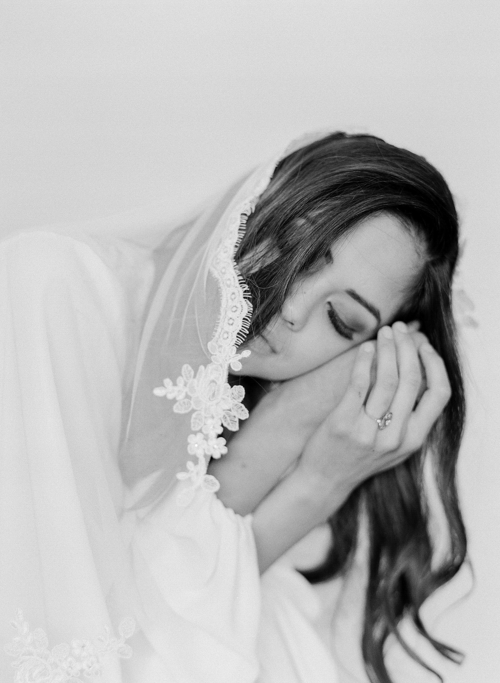JennySoiPhotography-BridalBoudoireditorial-159.jpg