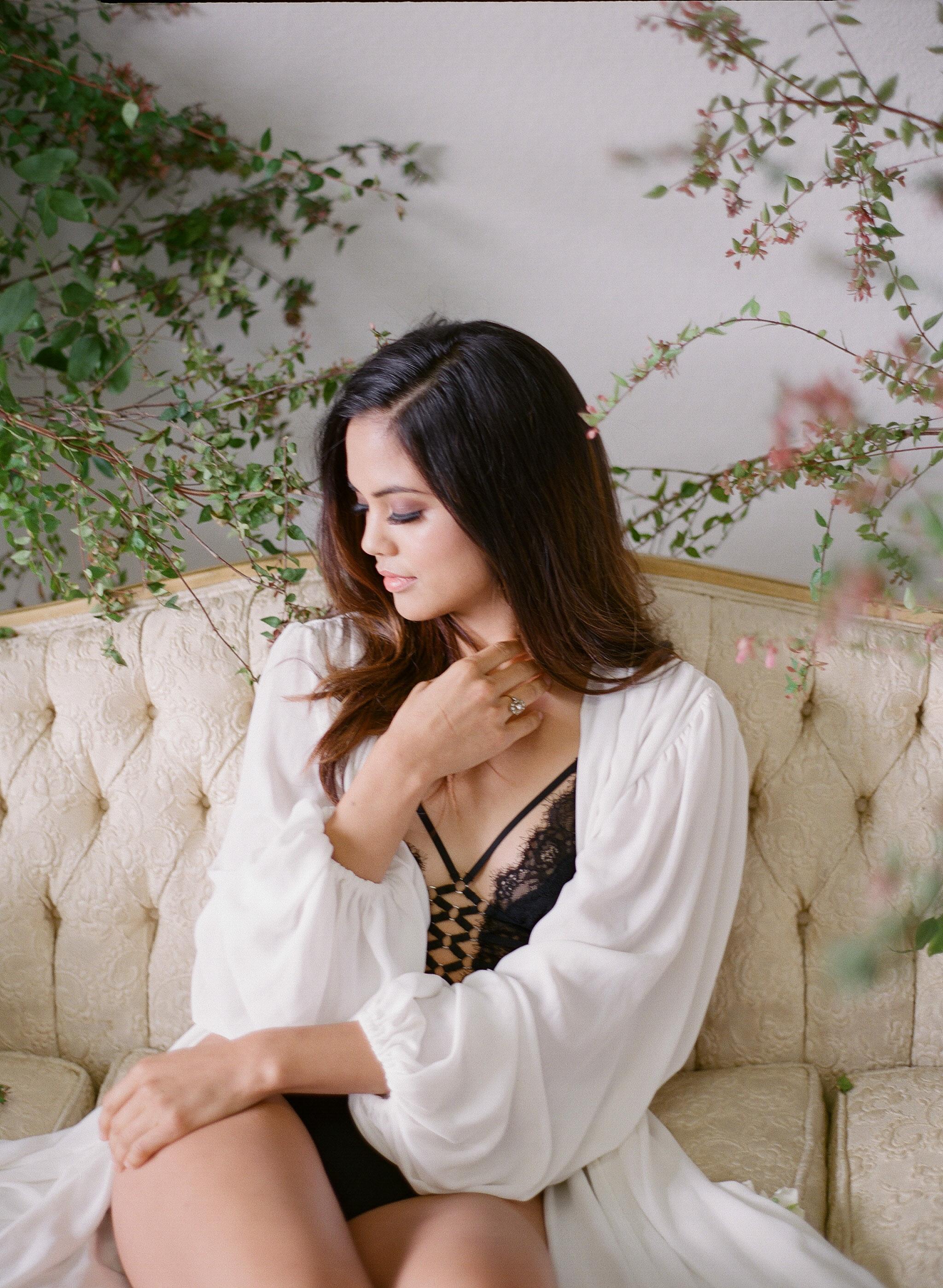 JennySoiPhotography-BridalBoudoireditorial-165.jpg