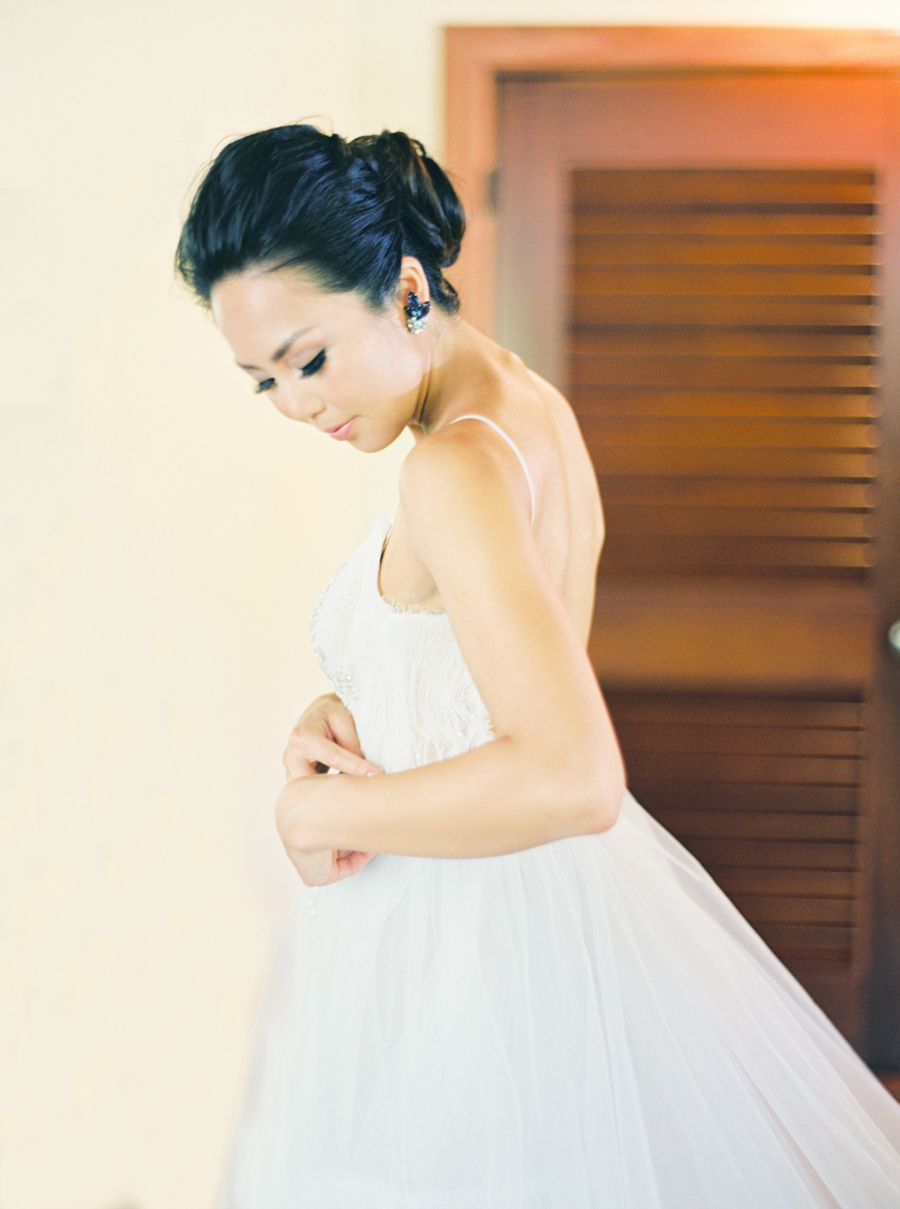trynhphoto-stylemepretty-hawaii-wedding-photographer-honolulu-oahu-maui-29.jpg