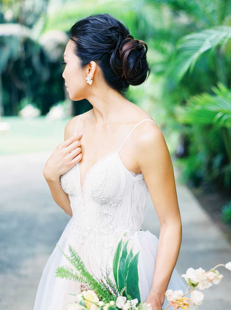 trynhphoto-stylemepretty-hawaii-wedding-photographer-honolulu-oahu-maui-43.jpg