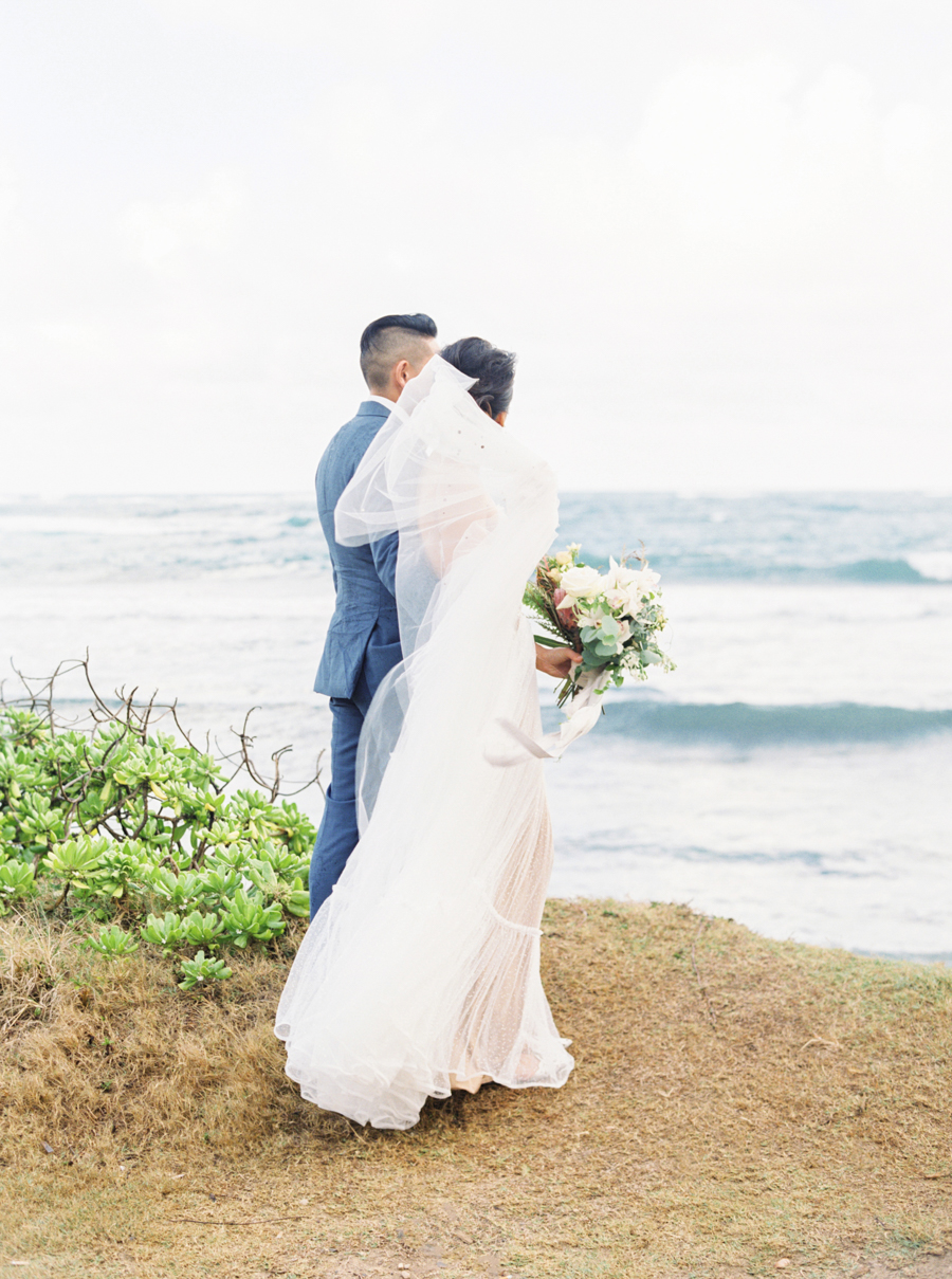 trynhphoto-stylemepretty-hawaii-wedding-photographer-honolulu-oahu-maui-95.jpg
