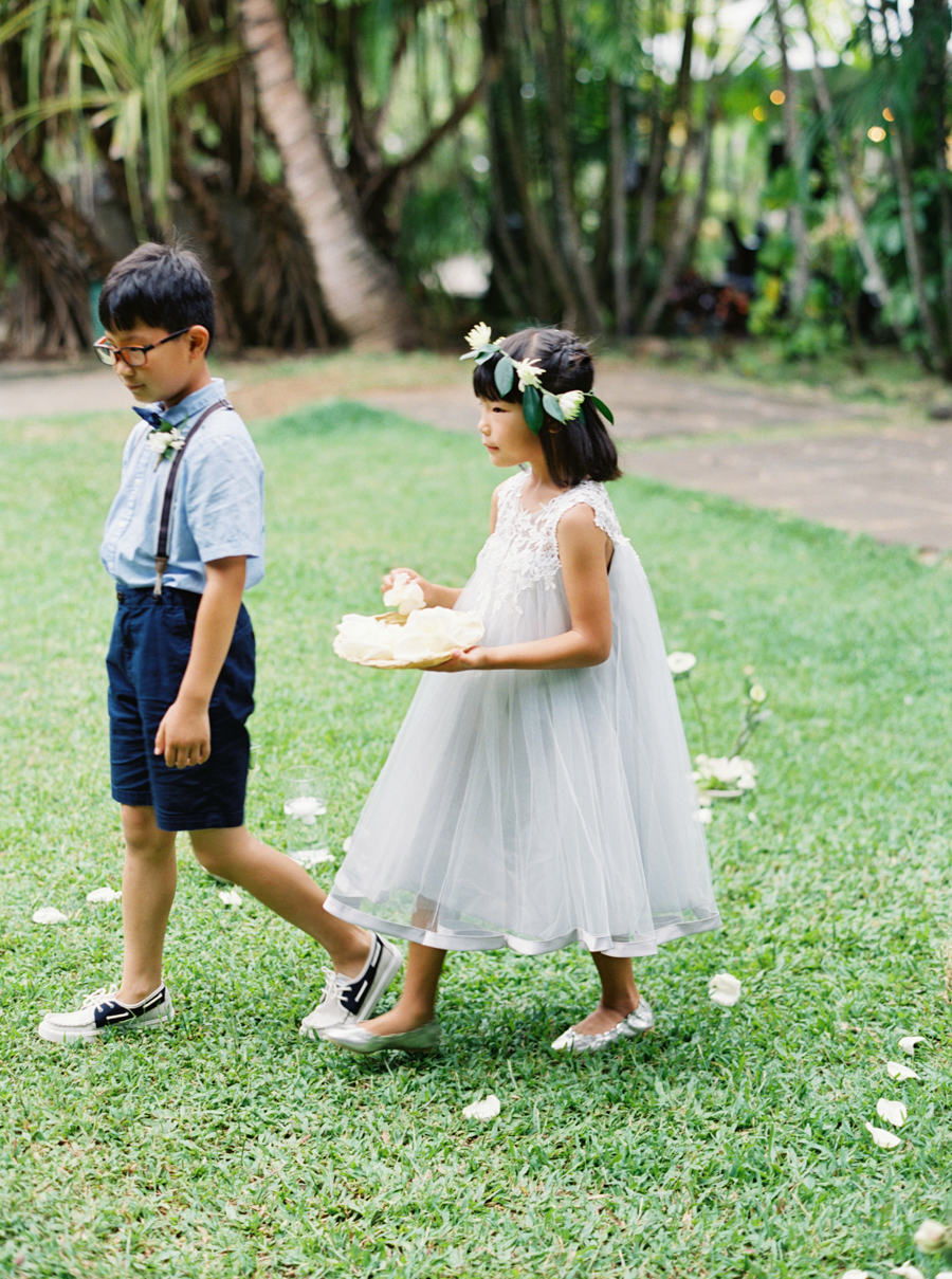 trynhphoto-stylemepretty-hawaii-wedding-photographer-honolulu-oahu-maui-79.jpg