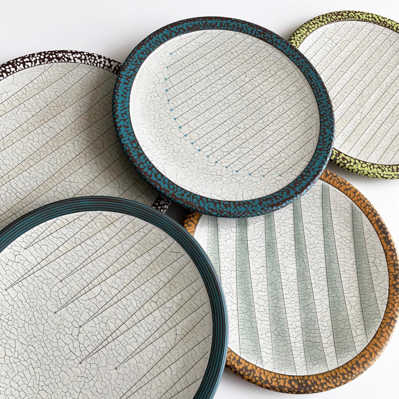 Incised Crackle dinner plates