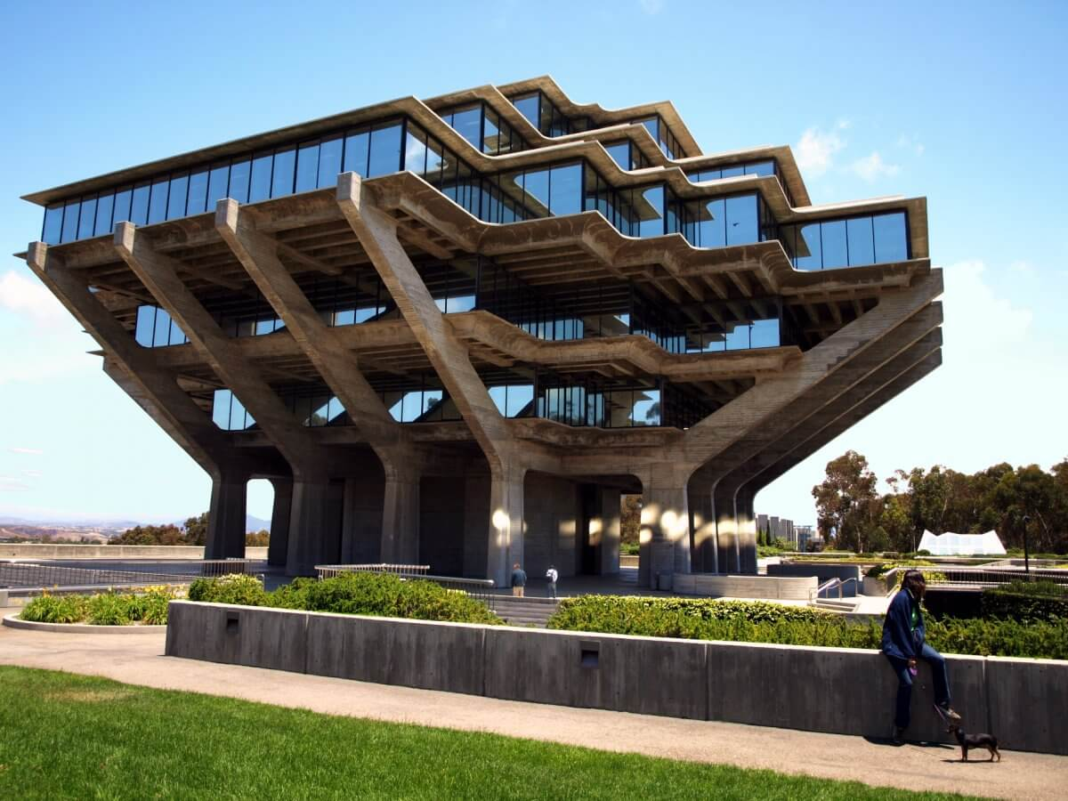 8-the-tree-shaped-geisel-library-at-the-university-of-california-san-diego-manages-to-evoke-an-organic-feel-despite-its-brutalist-concrete-design.jpg