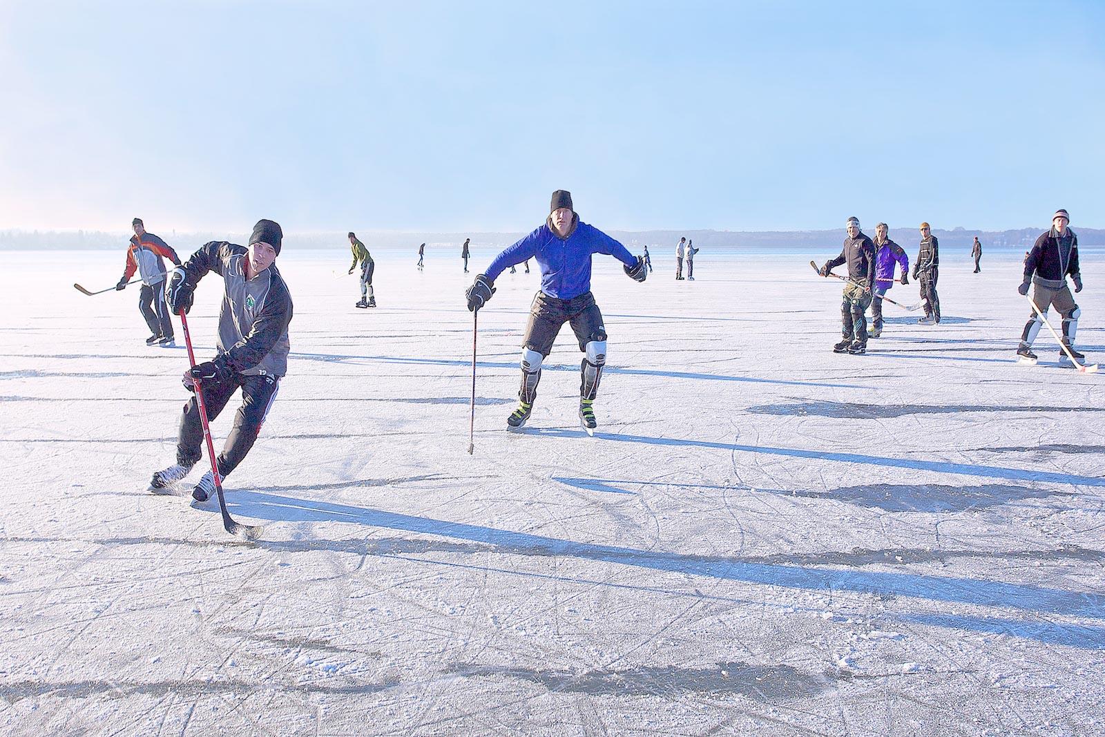 eishockey vor Tor.jpg