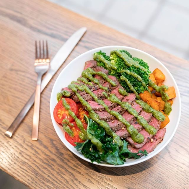 Come in and try our new S U M M E R menu ☀️😎 ⠀ .⠀ Meet, S I R - L O I N ⠀ .⠀ With a base of roasted sweet potatoes and seasoned kale. This bowl is topped with herbed mushrooms, roasted broccoli, cherry tomatoes, local grass fed & finished top sirloin steak, and chimichurri chutney. 👌⠀ .⠀ #staywise #eatwright⠀ .⠀ #yyc #yycliving #yyceats #yycfoodie #yycfood #yycfitness #yycbuzz #calgary #calgaryliving #calgarybuzz #culinary #food #healthyfood #healthyeating #foodies #culinary #blogto #yyz #nofakeshit #realfood