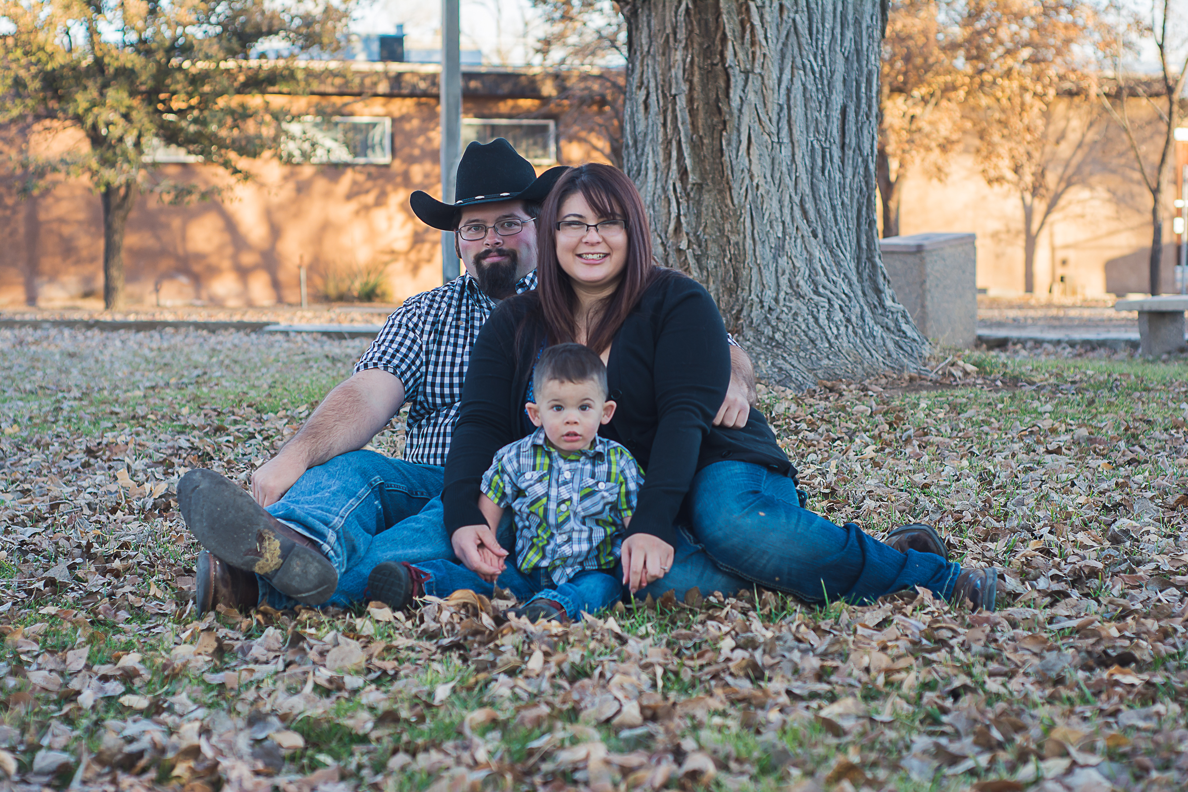© Nicole Bradshaw Photography 2015; The Kinnikin Family- Bosque Farms, NM; Durango Wedding Photographer, New Mexico Wedding Photographer, Farmington Wedding Photographer, Albuquerque Wedding Photographer, Ruidoso Wedding Photographer, LDS Wedding Photographer