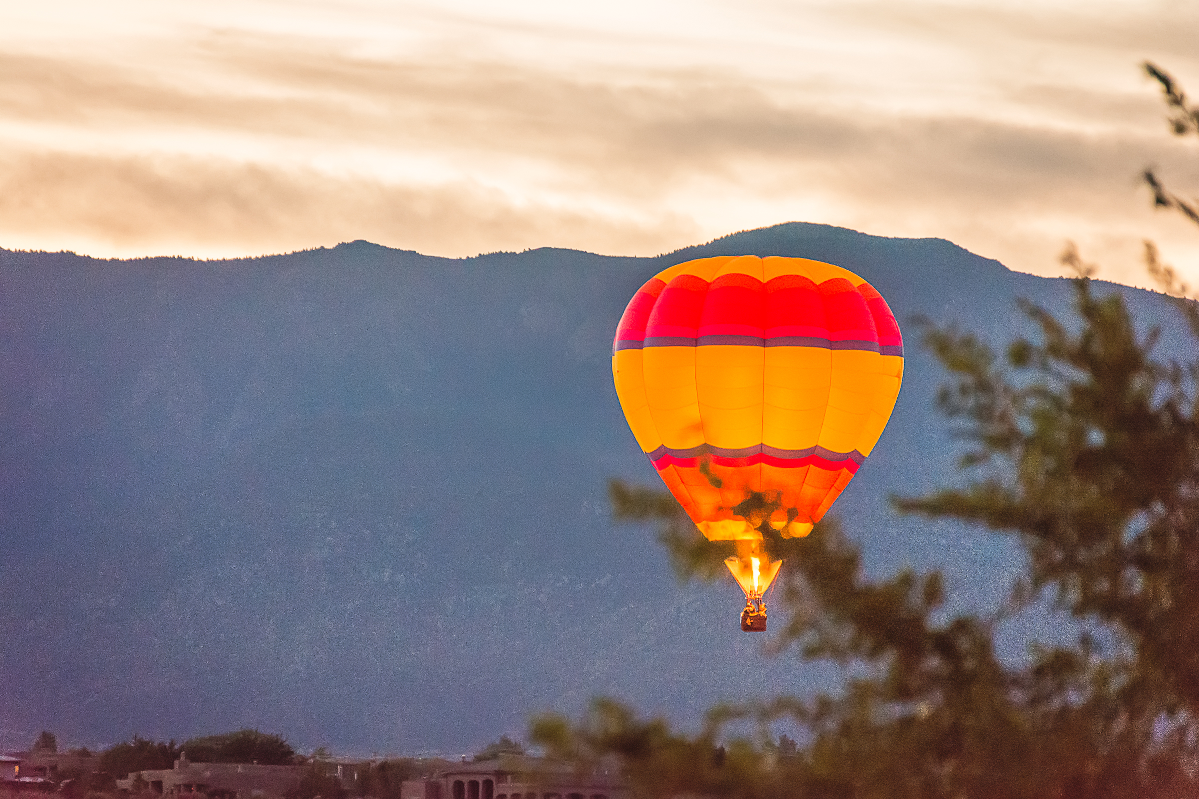 Hot Air Balloon, Hot Air Balloon and Mountains, Hot Air Balloon at Dawn, Albuquerque Photographer, Albuquerque International Balloon Fiesta