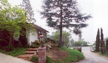 $1,795,000 - 1868 N. Doheny Drive