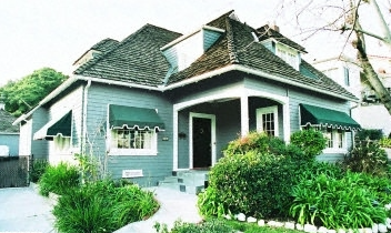 $1,149,000 - 2019 N. Catalina Street